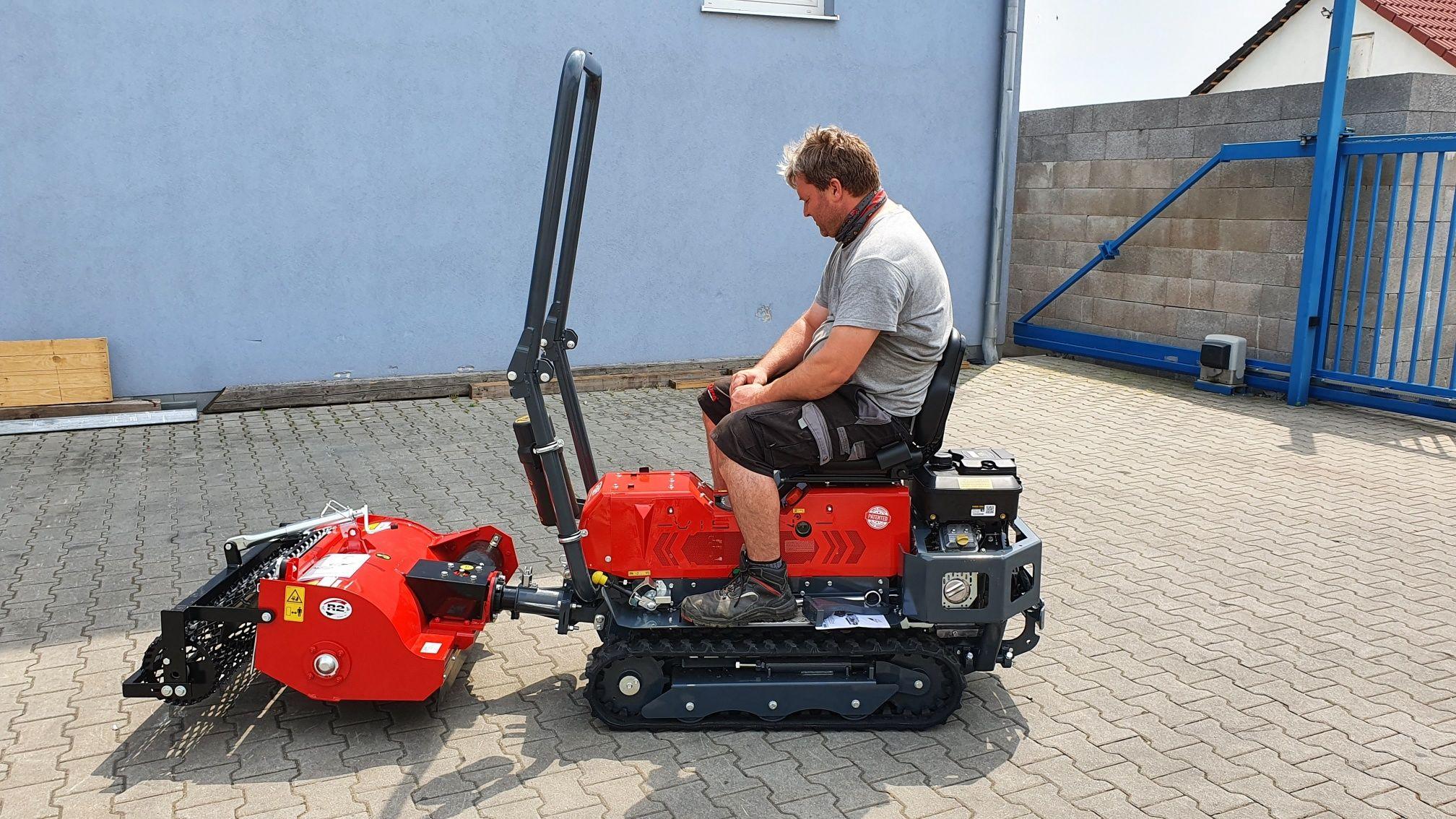 Traktor Fort Vision + travny rekultivator 75 cm